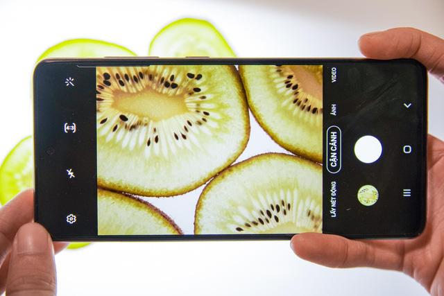 Làm thế nào chụp được những tấm ảnh siêu deep từ hoa lá trái cây mà chỉ bằng smartphone? - Ảnh 3.