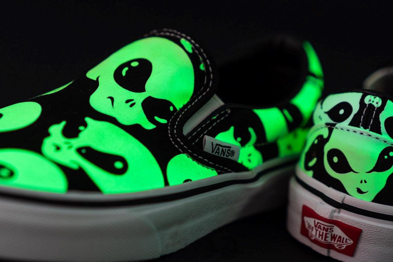 Vans đón tháng 12 bằng bộ sản phẩm siêu ma mị Vans Alien Ghosts - Ảnh 7.