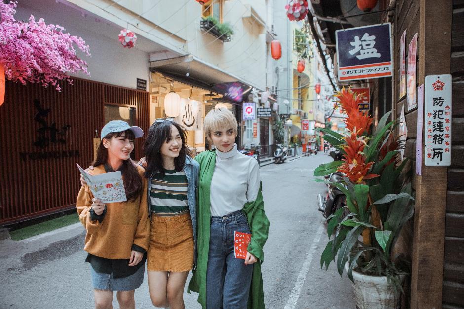 Sài Gòn vừa lạ vừa quen qua loạt bí kíp địa điểm cực hay ho mà UNIQLO mách nhỏ các fan - Ảnh 3.
