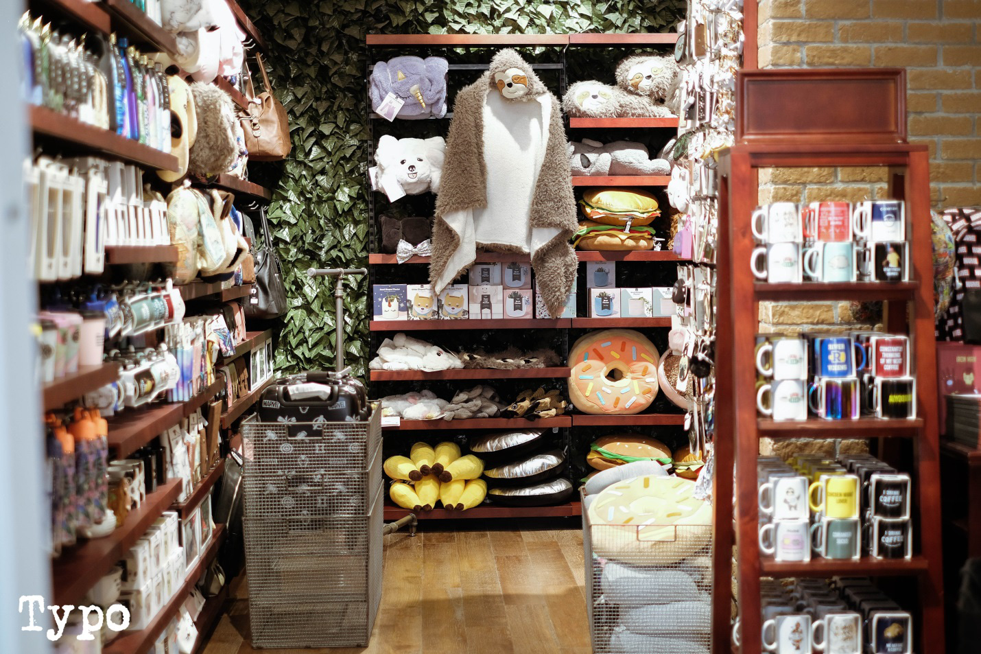 """""""Đột nhập"""" cửa hàng Cotton On và Typo siêu hoành tráng tại Hà Nội - Ảnh 5."""