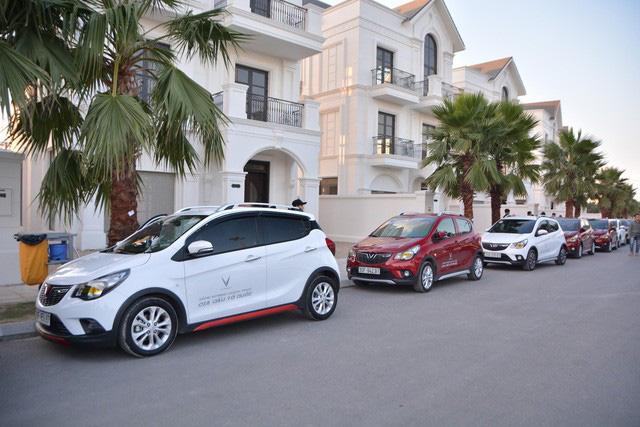 VinFast lập kỷ lục: Gần 100 xe Fadil, Lux A2.0 và Lux SA2.0 vượt nghìn km từ Hà Nội chinh phục Hà Giang - Ảnh 1.