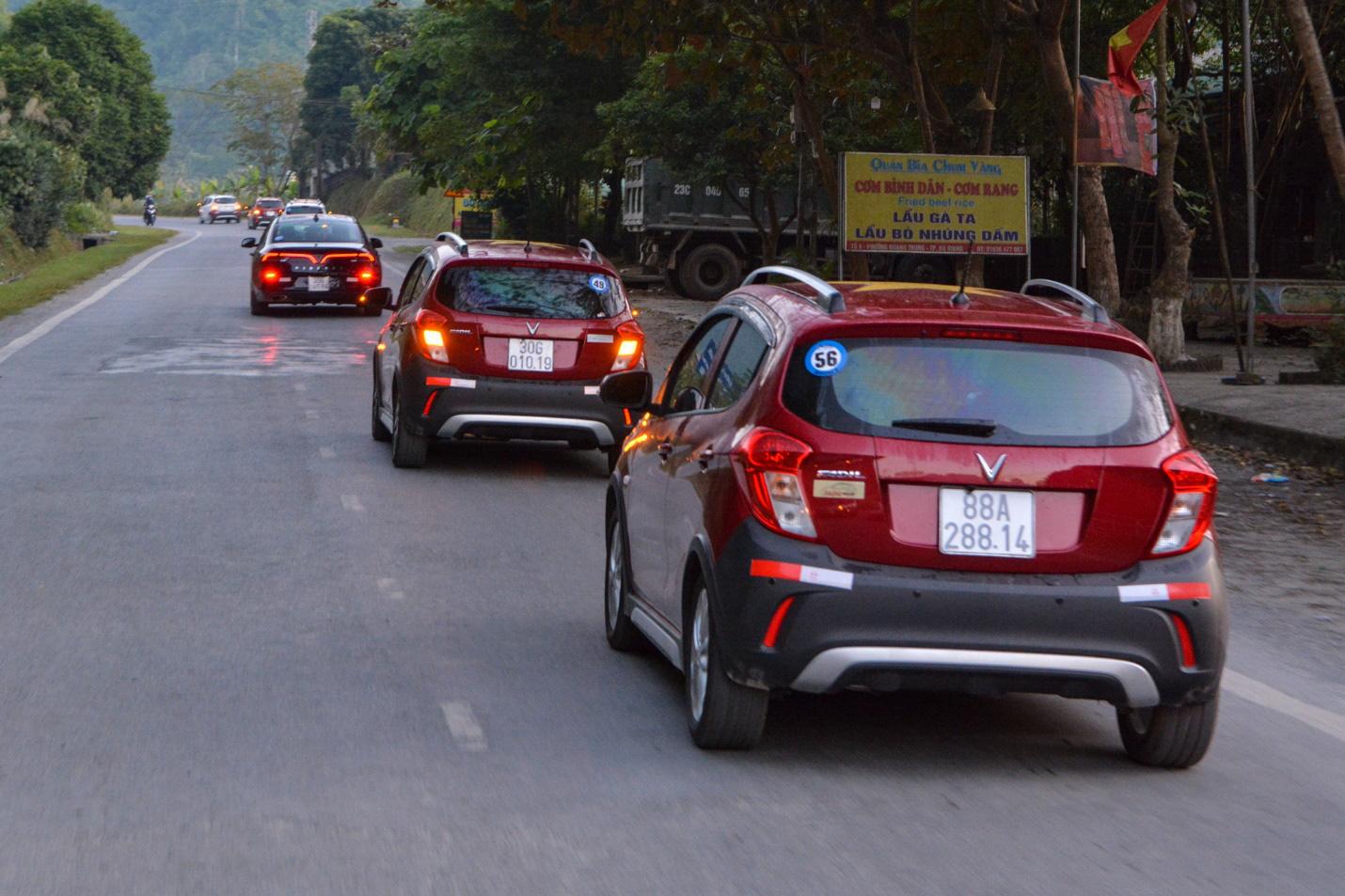 Hàng trăm chủ xe VinFast hào hứng tiếp tục hành trình chinh phục Hà Giang: Không mỏi mệt sau ngày đầu leo đèo - Ảnh 5.