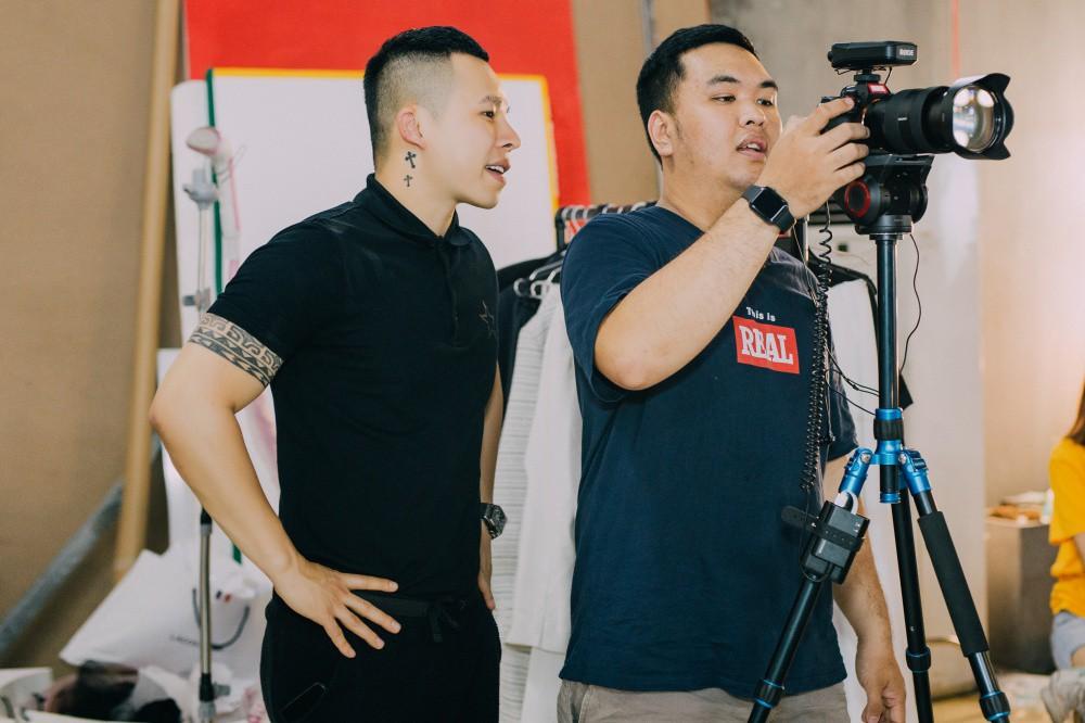 Ngọc Trinh hội ngộ Quỳnh Thư, Lê Hà, sẵn sàng sải bước catwalk lần cuối tại Đêm hội chân dài 12 - Ảnh 11.