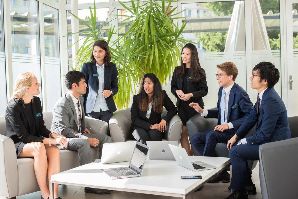 Du học Thụy Sỹ – 97.3% sinh viên Glion và Les Roches nhận được lời mời làm việc ngay khi ra trường, tại sao vậy? - Ảnh 2.