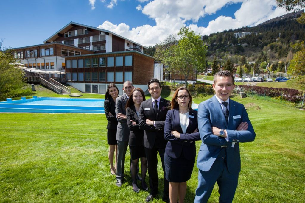 Du học Thụy Sỹ – 97.3% sinh viên Glion và Les Roches nhận được lời mời làm việc ngay khi ra trường, tại sao vậy? - Ảnh 3.
