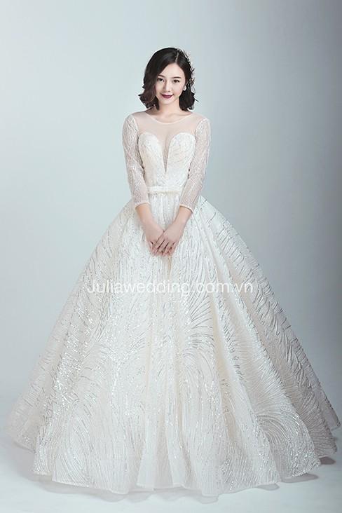 JULIA ra mắt BST váy cưới 2019 giúp cô dâu tỏa sáng trong ngày trọng đại - Ảnh 1.