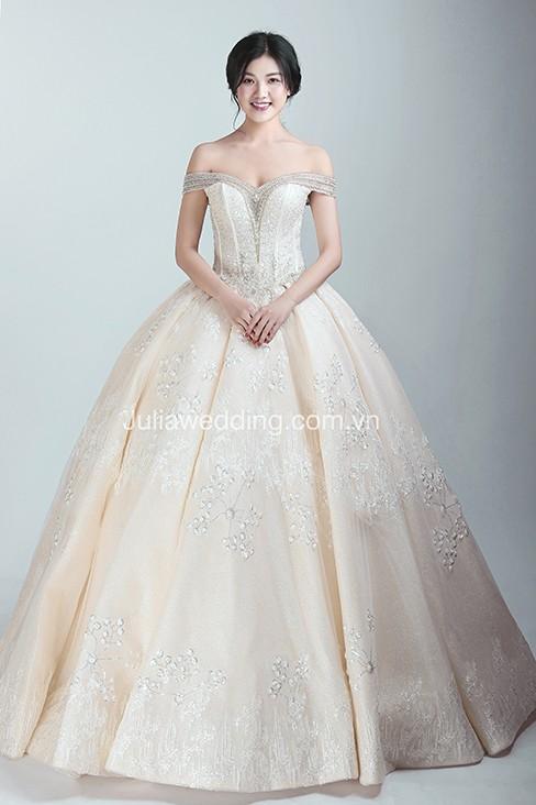 JULIA ra mắt BST váy cưới 2019 giúp cô dâu tỏa sáng trong ngày trọng đại - Ảnh 3.