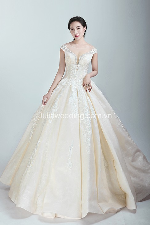 JULIA ra mắt BST váy cưới 2019 giúp cô dâu tỏa sáng trong ngày trọng đại - Ảnh 5.