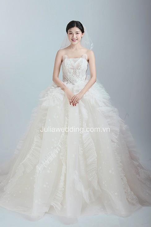 JULIA ra mắt BST váy cưới 2019 giúp cô dâu tỏa sáng trong ngày trọng đại - Ảnh 9.