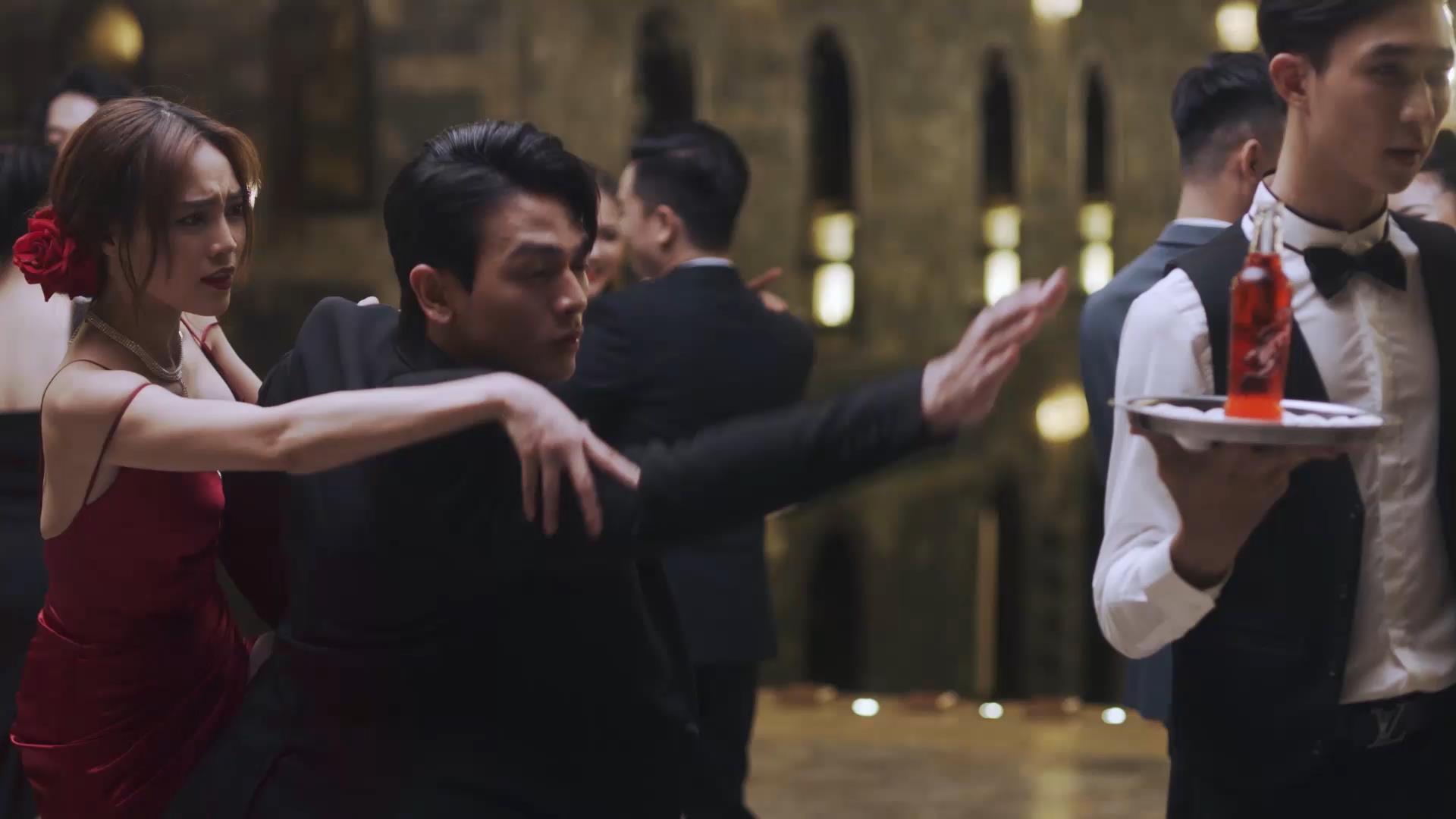 Lan Ngọc - Xuân Tiền không ngừng thả thính, chiêu trò trong clip mới nhưng vẫn nhận cái kết đắng - Ảnh 3.