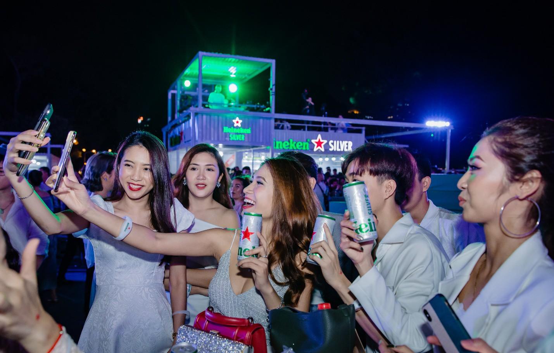 Đen Vâu, Châu Bùi quy tụ trong đại tiệc ra mắt Heineken Silver cực hoành tráng - Ảnh 14.