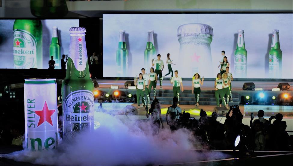 Đen Vâu, Châu Bùi quy tụ trong đại tiệc ra mắt Heineken Silver cực hoành tráng - Ảnh 9.