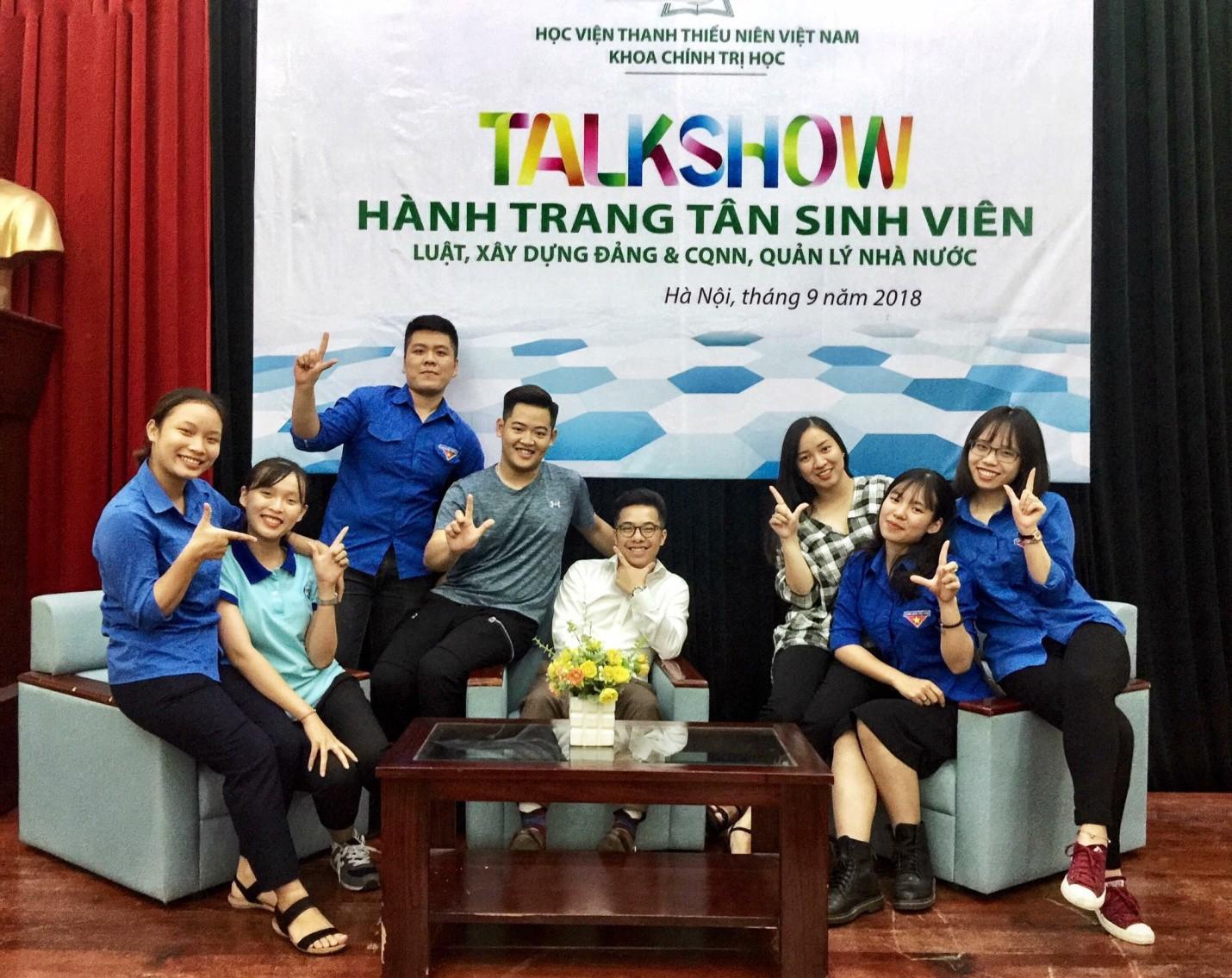 """""""Biệt đội"""" giảng viên trẻ 9x hút sinh viên rần rần tại Học viện Thanh thiếu niên Việt Nam - Ảnh 9."""
