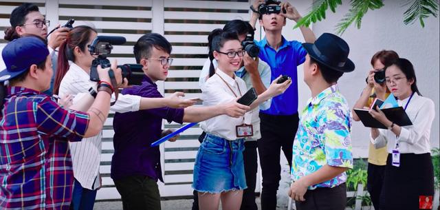 Nhã Phương vào vai phóng viên hỏi xoáy Trường Giang về cuộc sống sau hôn nhân - Ảnh 4.