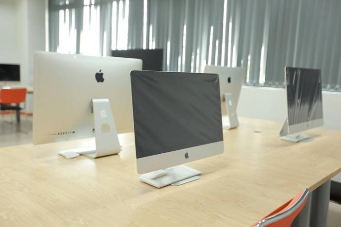 Đầu tư nguyên dàn iMac cho một phòng học – sinh viên ở đây còn gì sướng bằng! - Ảnh 1.