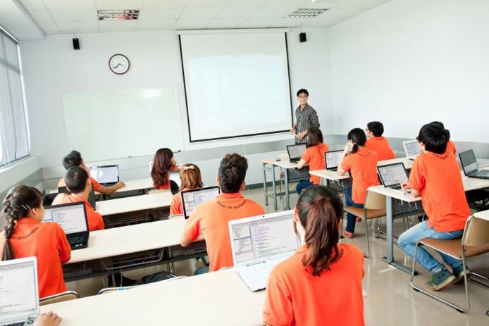 Đầu tư nguyên dàn iMac cho một phòng học – sinh viên ở đây còn gì sướng bằng! - Ảnh 4.
