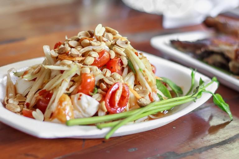 Songkran đã qua, nhưng đừng quên khám phá những món ngon khó cưỡng của xứ sở chùa Vàng - Ảnh 3.