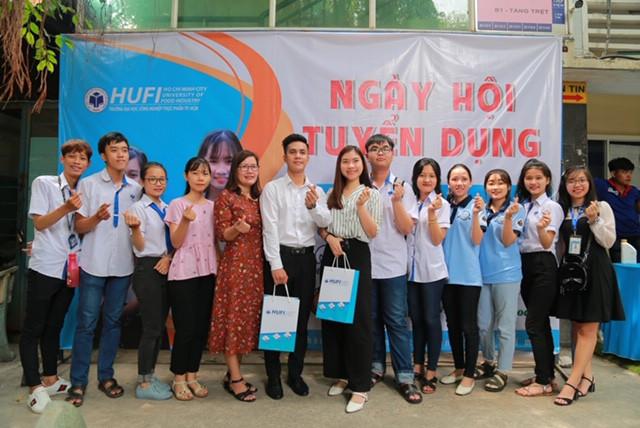 Ngày hội việc làm – HUFI CAREER DAY năm 2019: Doanh nghiệp tuyển dụng hàng ngàn nhân sự - Ảnh 5.