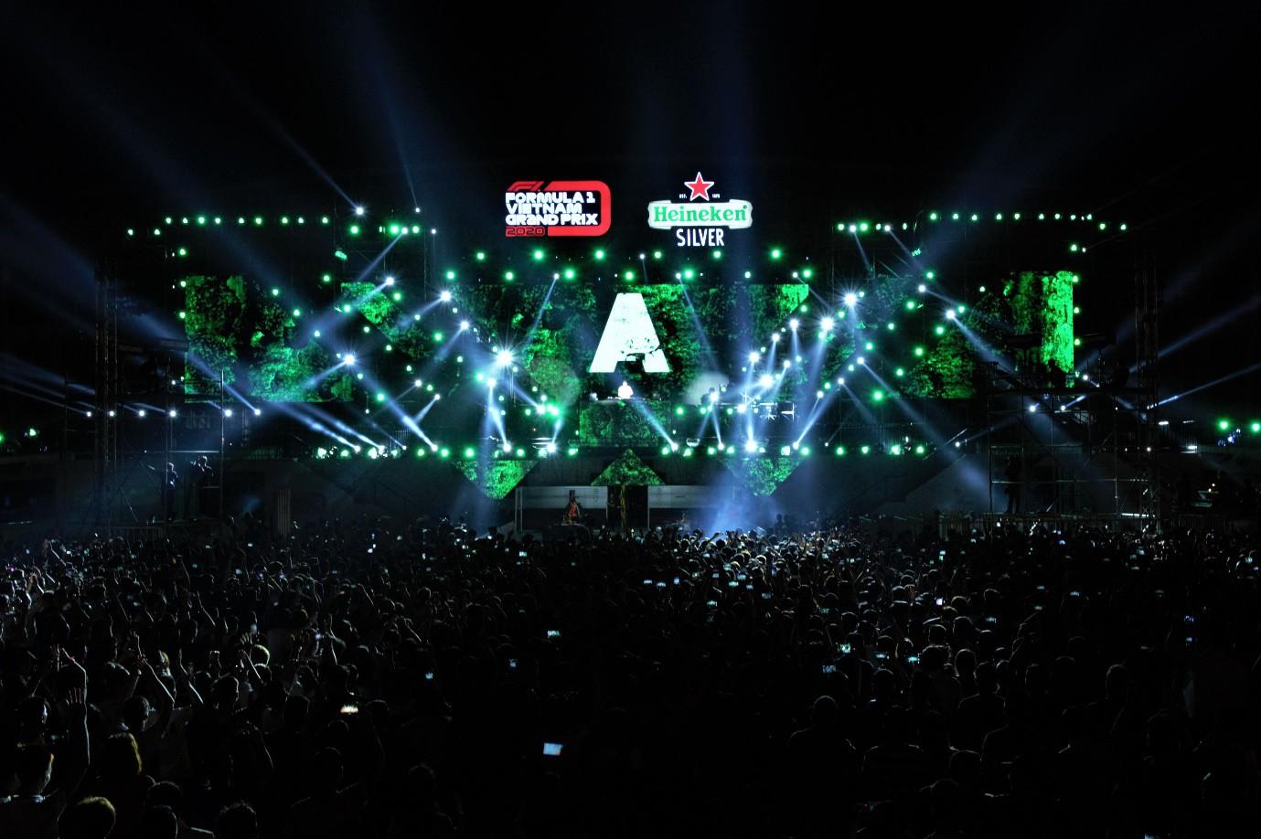 Fan Việt dậy sóng với trải nghiệm giải đua F1 cùng DJ quốc tế Armin Van Buuren - Ảnh 2.