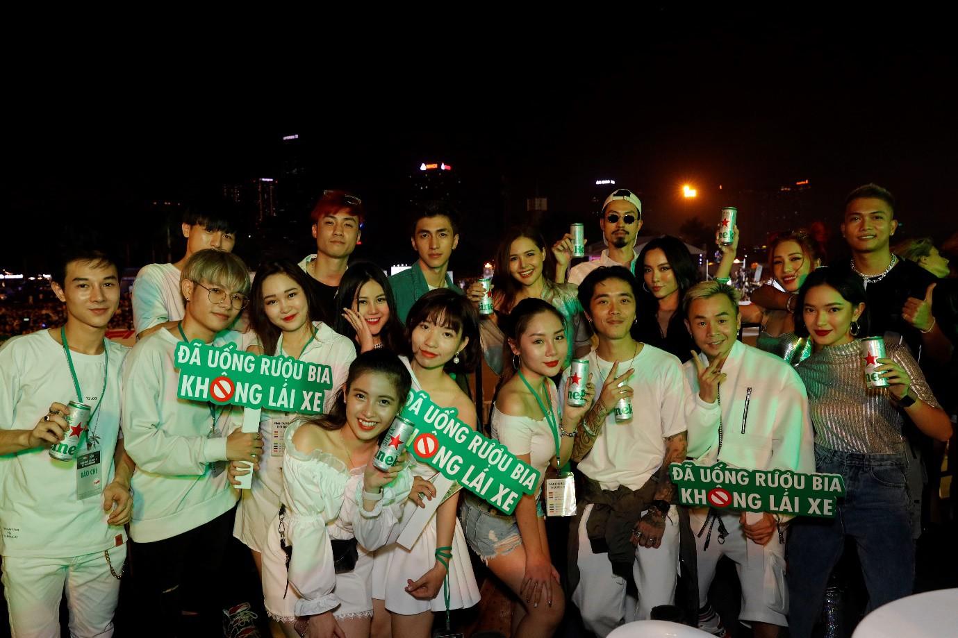 Fan Việt dậy sóng với trải nghiệm giải đua F1 cùng DJ quốc tế Armin Van Buuren - Ảnh 6.