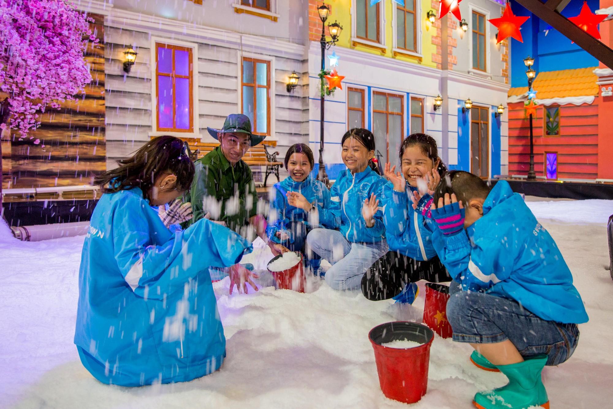 Hạ nhiệt lễ 30/4 tại căn cứ mùa đông Thị trấn Tuyết - Ảnh 5.
