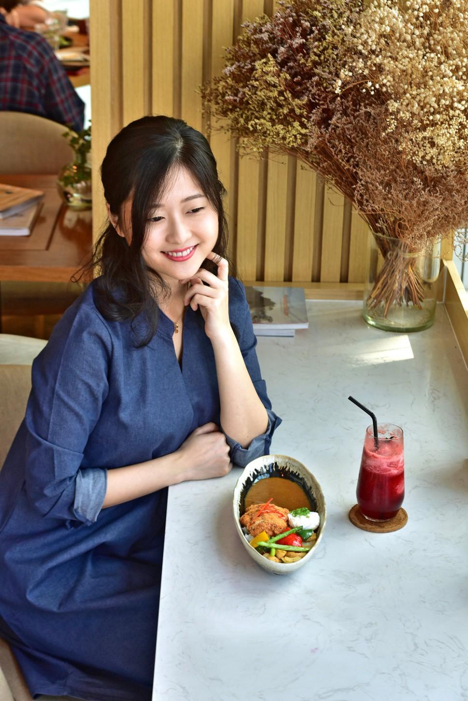 """3 điều khiến vlogger người Nhật """"phải lòng"""" món cơm cà ri sang chảnh tại Sài Gòn - Ảnh 2."""