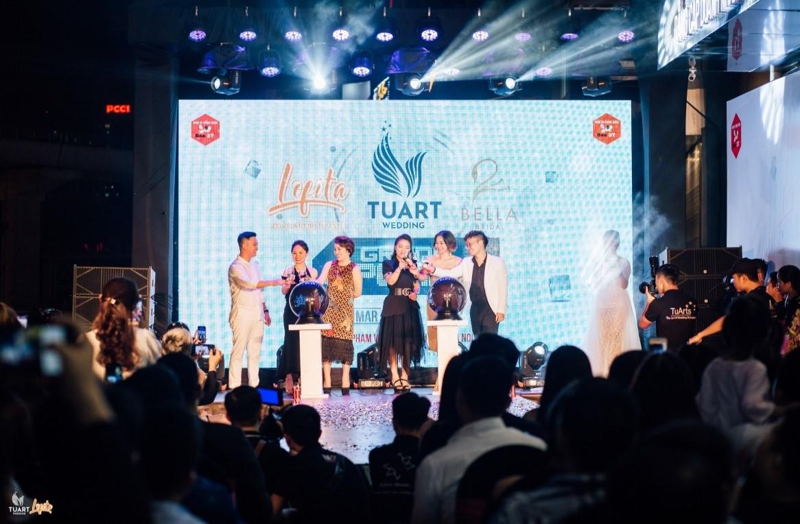 DaLAB hội ngộ cùng dàn hot girl Hà thành tại sự kiện khai trương - Ảnh 1.