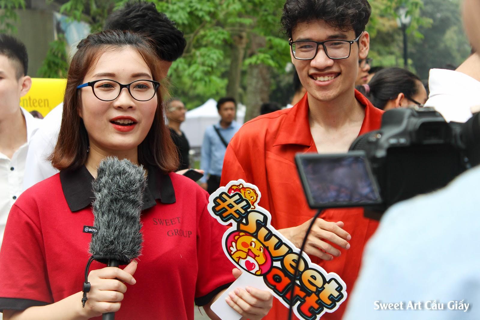 Lần đầu tổ chức offline Cover Kpop tại phố đi bộ, Sweet Art gây ấn tượng mạnh với các học viên - Ảnh 2.