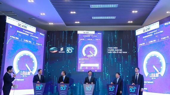 Viettel vừa sử dụng điện thoại OPPO để thử nghiệm 5G đầu tiên tại Việt Nam - Ảnh 2.