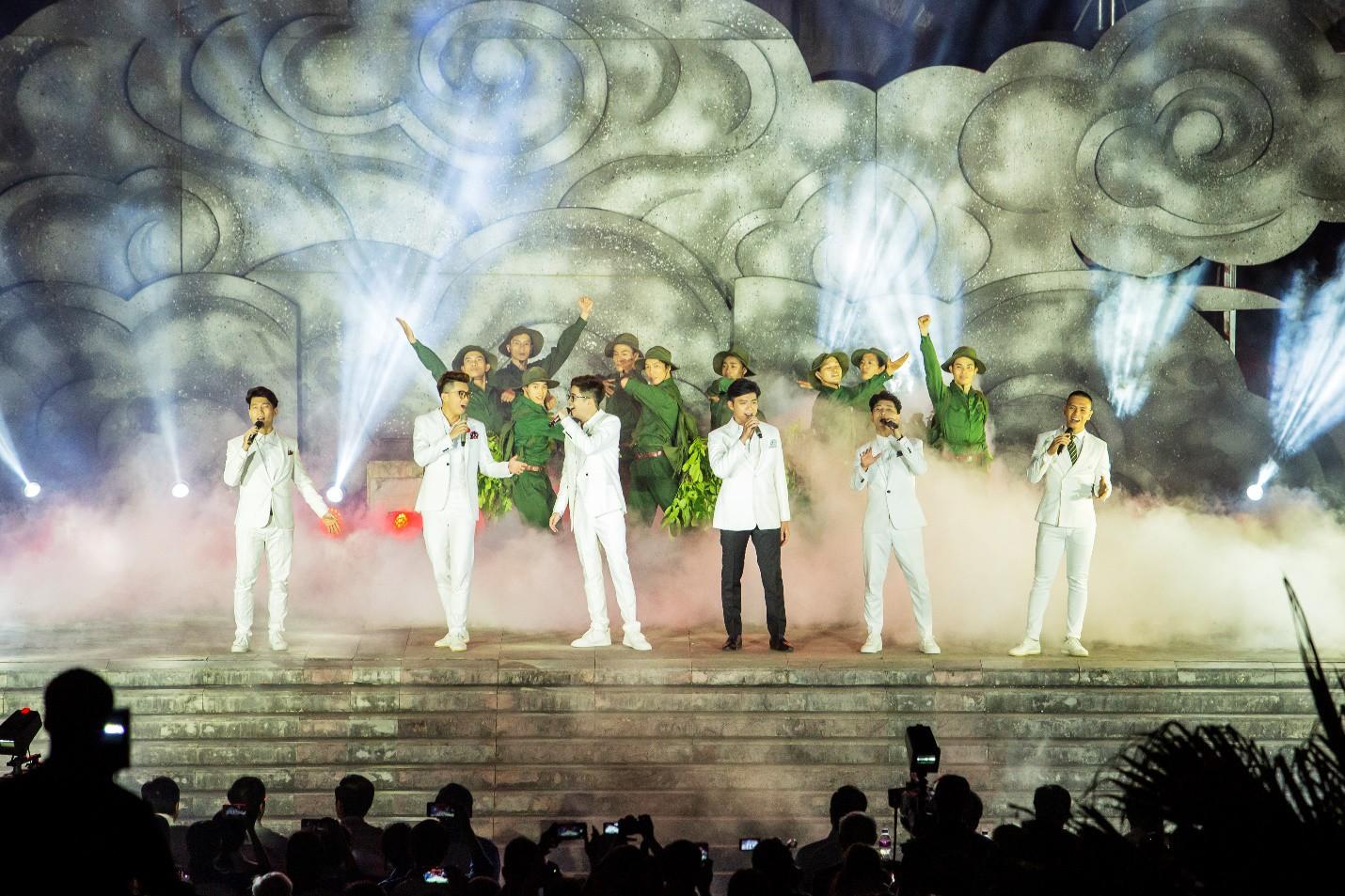 Hàng loạt ngôi sao âm nhạc hội tụ trong đêm nghệ thuật Câu chuyện hòa bình tại Quảng Bình - Ảnh 2.