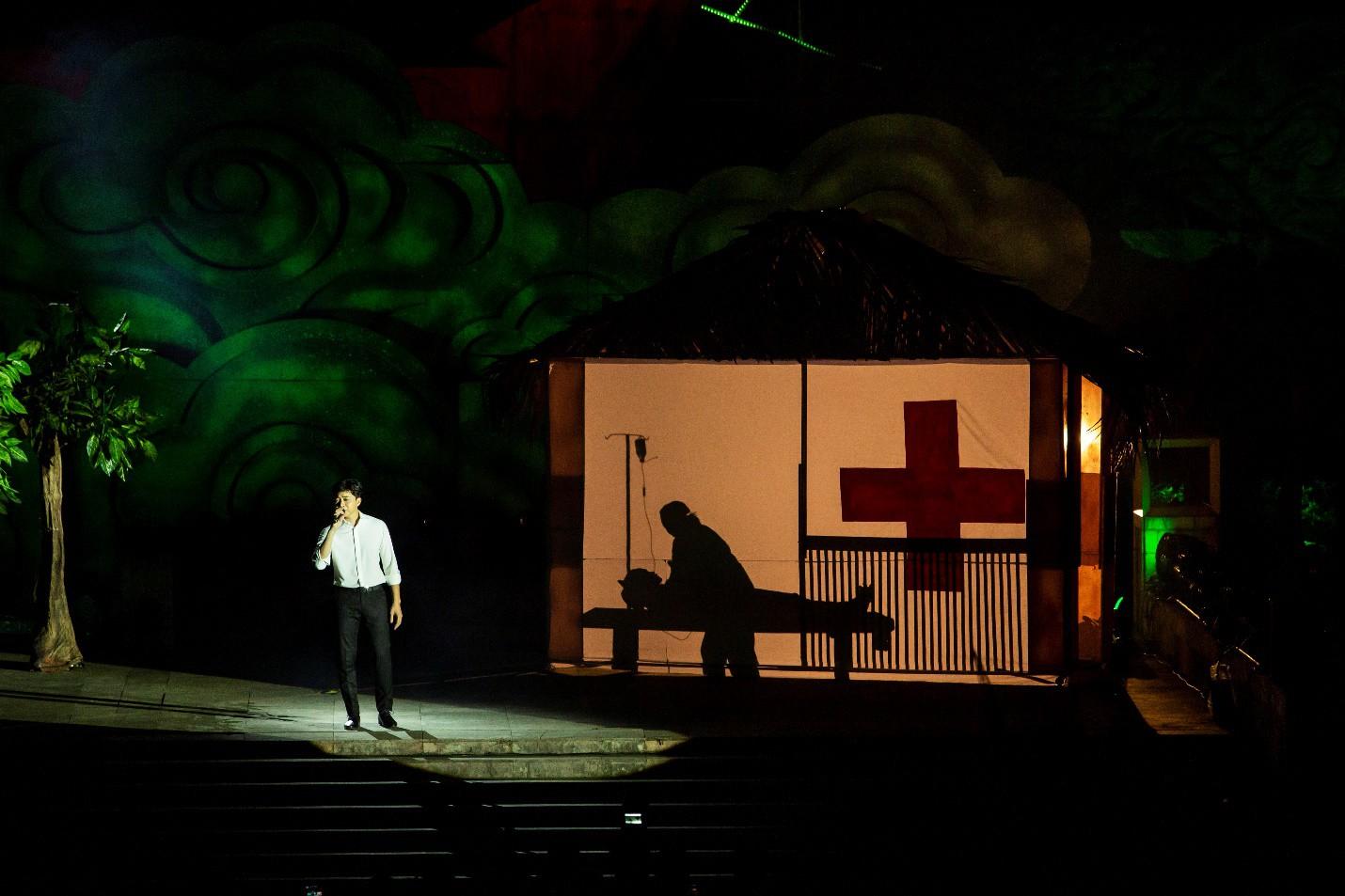 Hàng loạt ngôi sao âm nhạc hội tụ trong đêm nghệ thuật Câu chuyện hòa bình tại Quảng Bình - Ảnh 9.