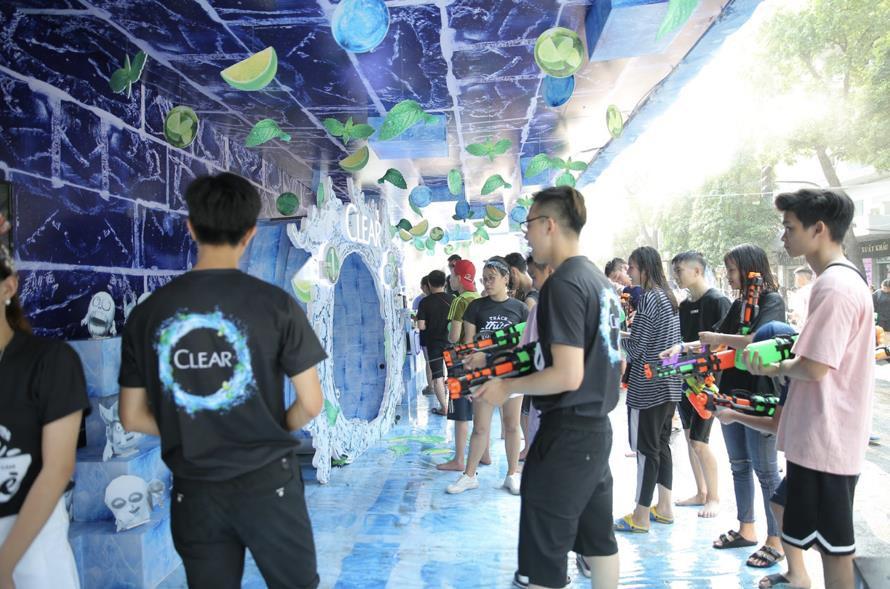 Giới trẻ Hà Nội quẩy tung mát lạnh trong đại tiệc nước và âm nhạc Clear cực đỉnh - Ảnh 5.