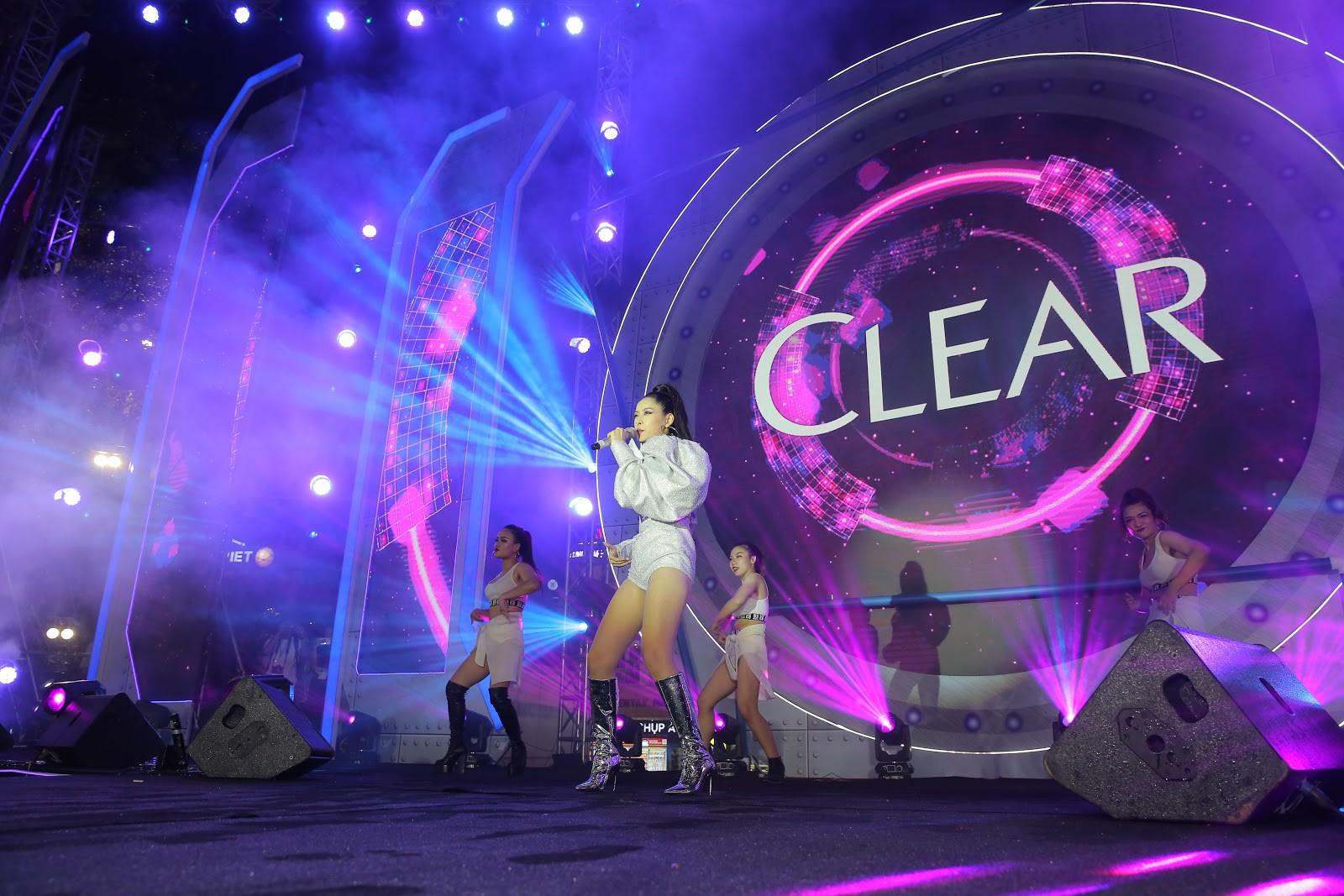 Giới trẻ Hà Nội quẩy tung mát lạnh trong đại tiệc nước và âm nhạc Clear cực đỉnh - Ảnh 9.