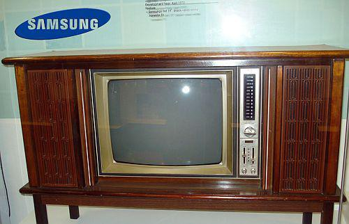 The historical moment of mankind 50 years ago is about to reproduce on Samsung TV - Photo 2.