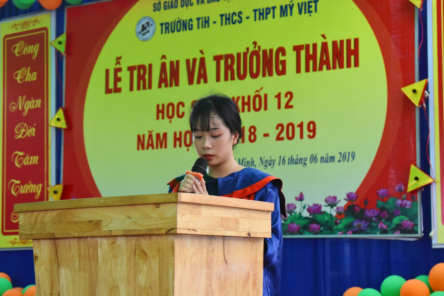 Nước mắt xen lẫn niềm vui trong lễ tri ân và trưởng thành của teen Mỹ Việt - Ảnh 3.