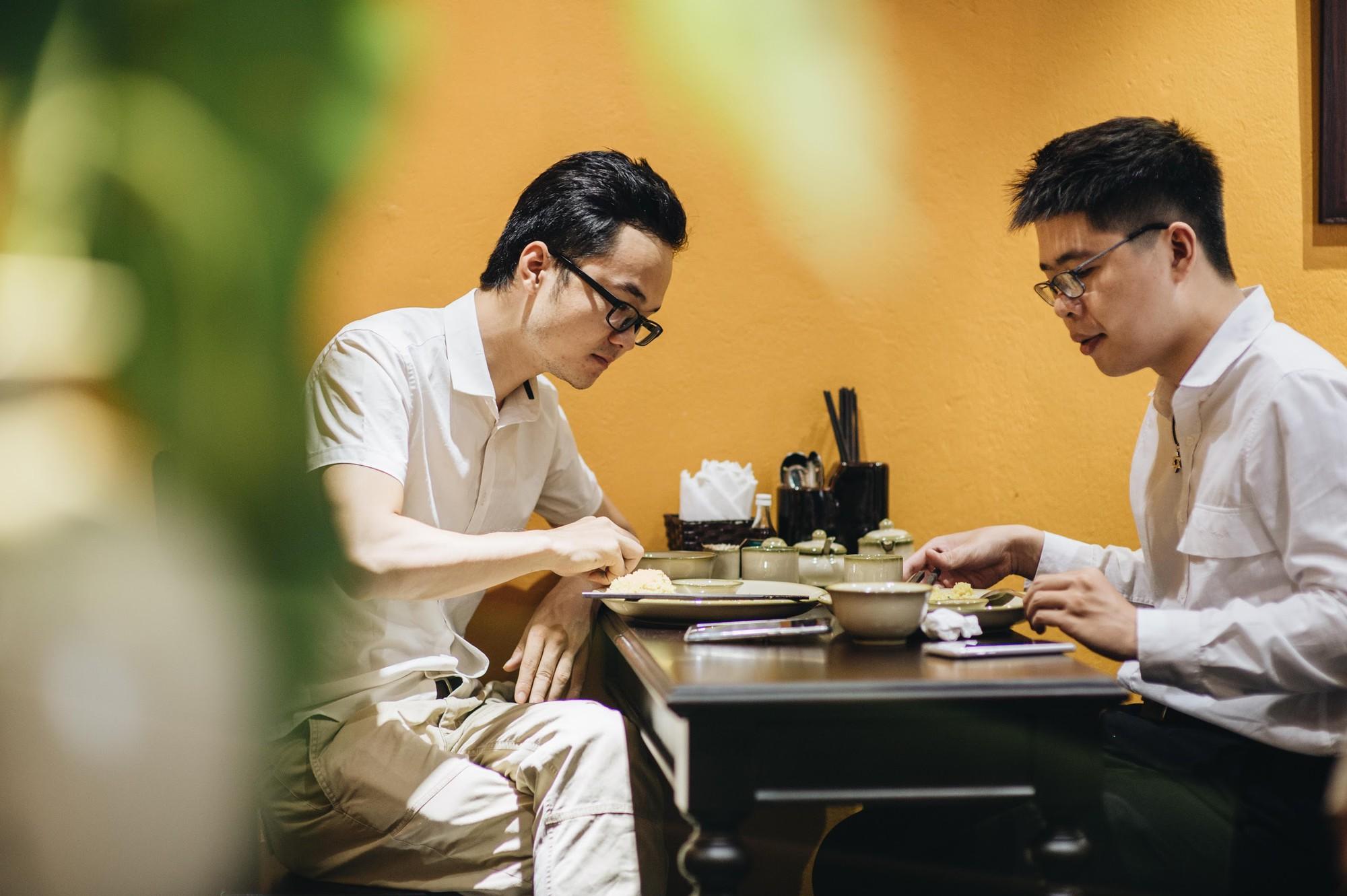 Ngược dòng thời gian cùng Phở Cội: Tìm phong vị phở giữa không gian nhà hàng ấm áp, gợi nét đẹp xưa Hà Nội - Ảnh 3.