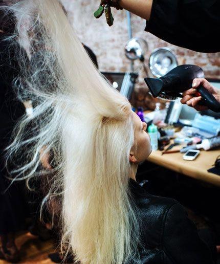 Chị em mê làm tóc sẽ tiếc hùi hụi nếu chưa biết cách này để chữa rụng tóc nhiều! - Ảnh 3.