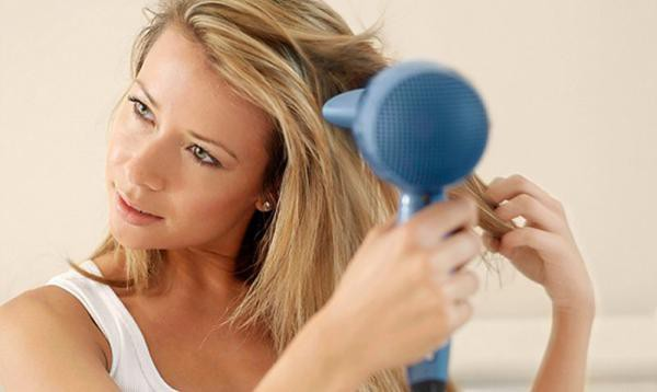 Chị em mê làm tóc sẽ tiếc hùi hụi nếu chưa biết cách này để chữa rụng tóc nhiều! - Ảnh 5.