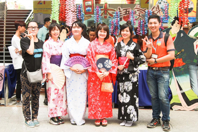 """Loạt ngoại khóa """"chất lừ"""" đáng ganh tỵ của sinh viên Ngôn ngữ Nhật HUTECH - Ảnh 2."""
