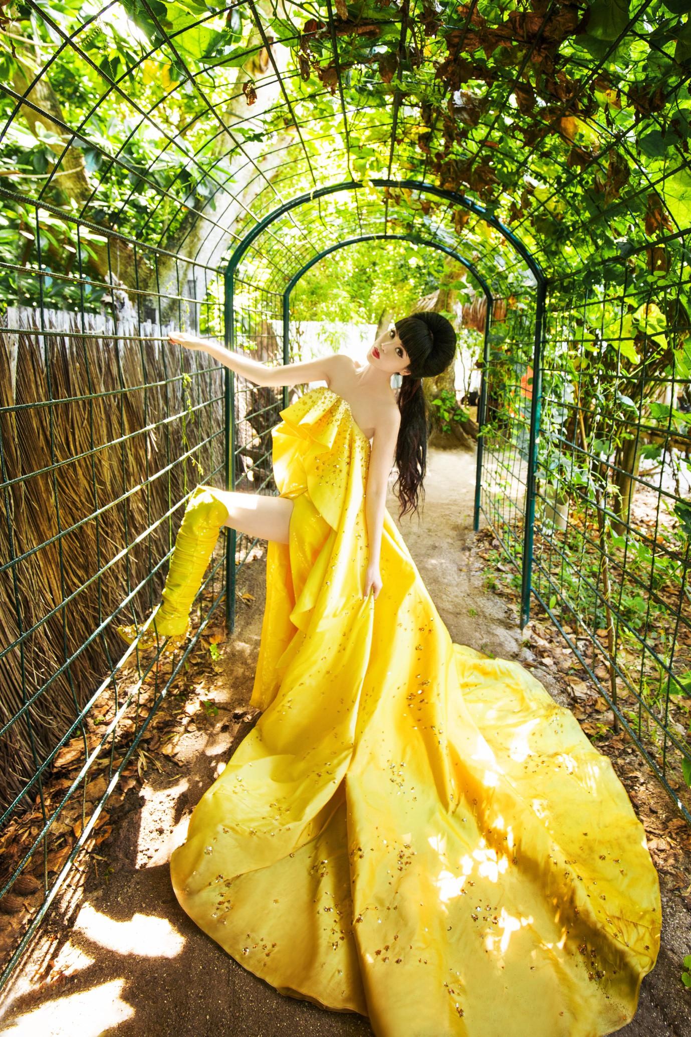 Người thổi hồn cho những kiểu tóc của Jessica Minh Anh tại Maldives - Ảnh 11.