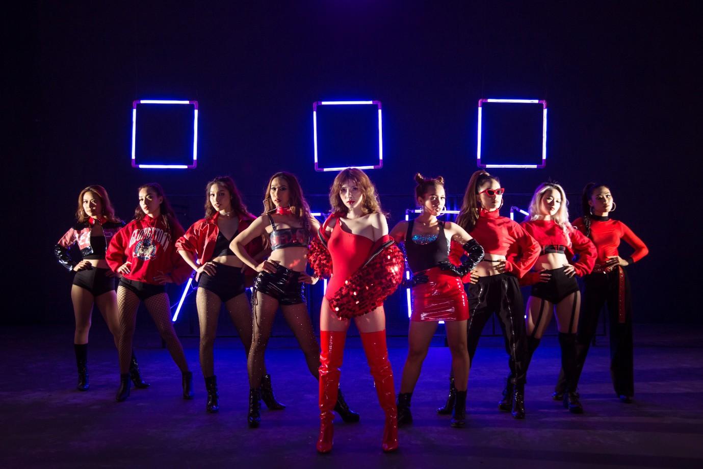 Tân binh Vpop vừa ra mắt đã có MV triệu views sau 24h phát hành - Ảnh 4.