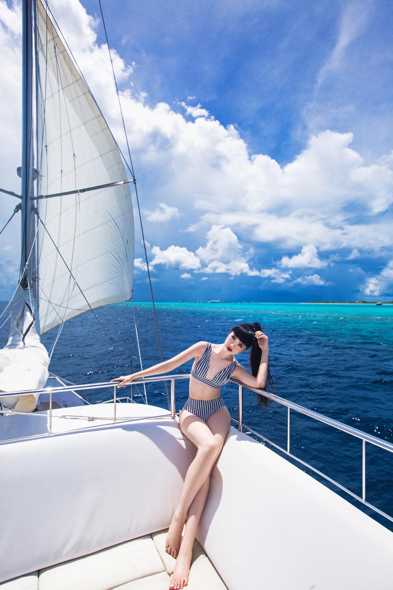 Người thổi hồn cho những kiểu tóc của Jessica Minh Anh tại Maldives - Ảnh 9.