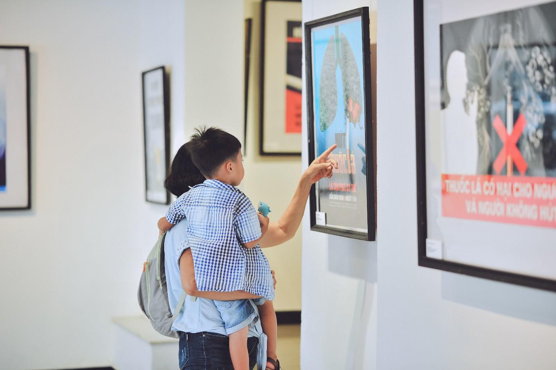 Triển lãm tranh cổ động về phòng, chống tác hại của thuốc lá năm 2019 - Ảnh 7.