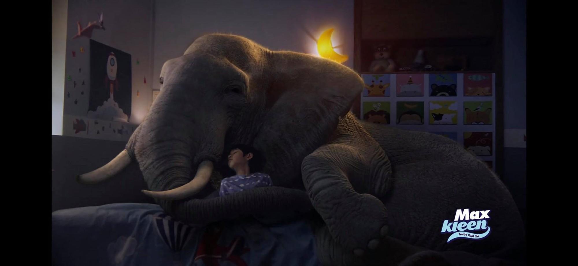 Dùng hổ và voi ẩn dụ cho hình ảnh người mẹ, thông điệp này đã chạm đến triệu trái tim phụ nữ Việt - Ảnh 5.
