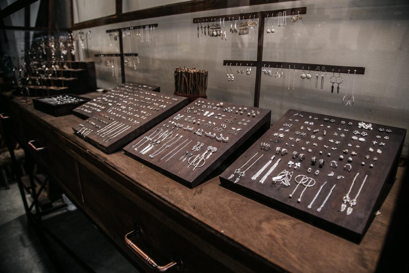 Lạc trôi trong xứ sở ngập tràn trang sức bạc đến từ Sài thành - Ảnh 11.