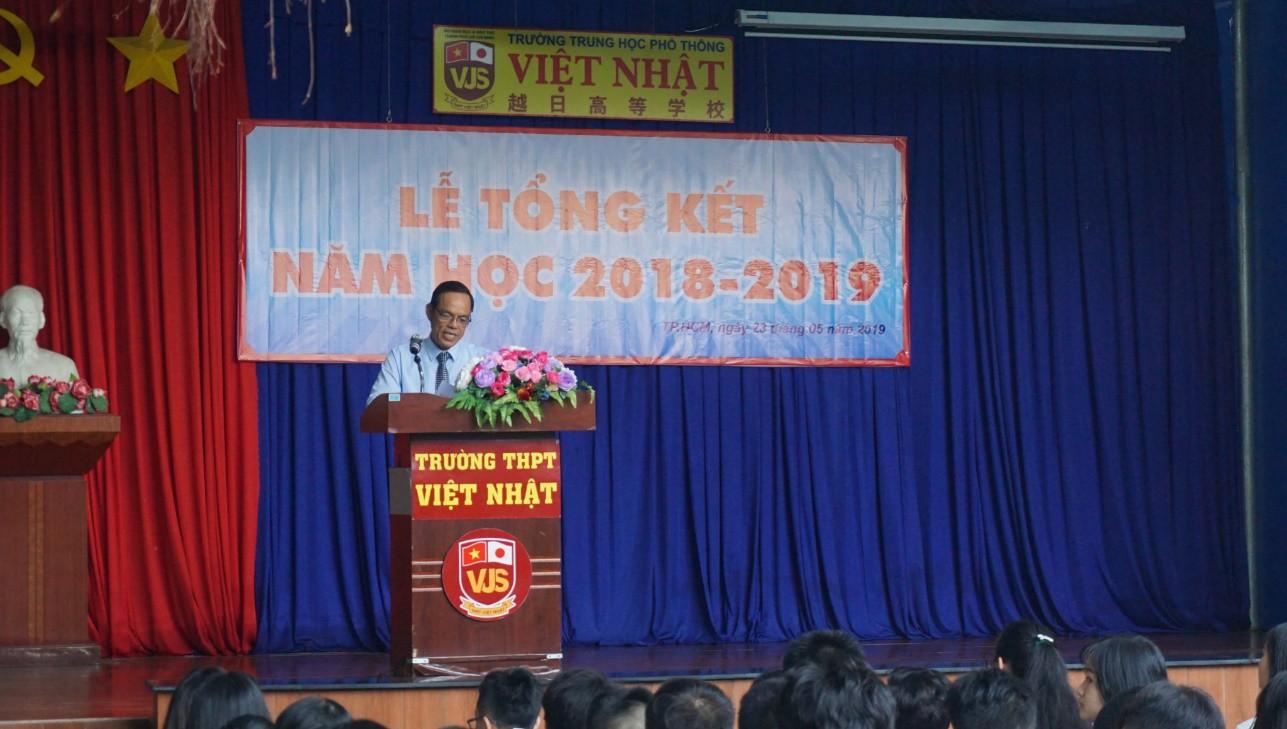 Trường THPT Việt Nhật: Rèn luyện học sinh sống yêu thương, trách nhiệm và tự chủ - Ảnh 1.