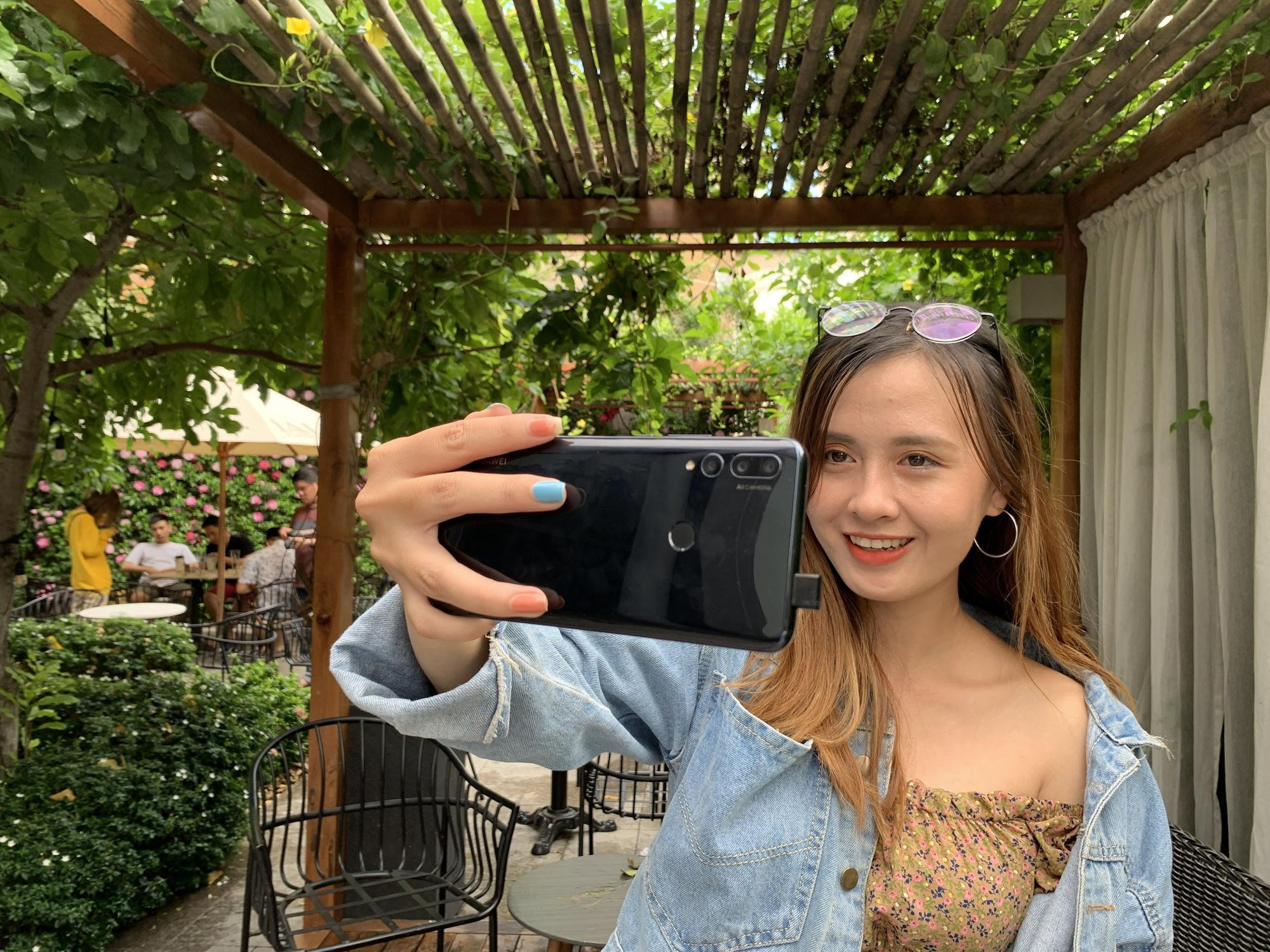 Thử thách chụp ảnh không cần camera man, chỉ cần Y9 Prime 2019! - Ảnh 2.