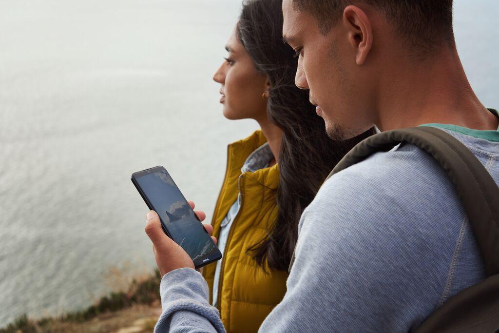 Những trải nghiệm cực đã khi sở hữu một chiếc smartphone màn hình lớn - Ảnh 3.