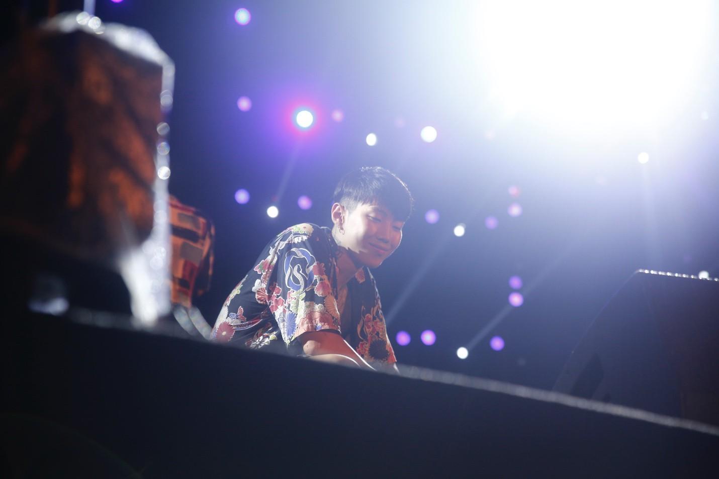 Jay Park phanh áo quyến rũ, liên tục nói tiếng Việt trong buổi rehearsal - Ảnh 5.
