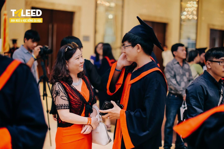 Không may mắn đỗ vào trường đại học yêu thích, đâu là con đường được sinh viên Việt lựa chọn hiện nay? - Ảnh 1.